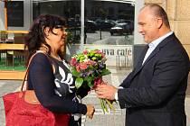 MINISTRYNI Michaelu Marksovou přivítal v Náchodě starosta města Jan Birke.