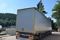 Řidič kamionu nerespektoval dopravní značení.
