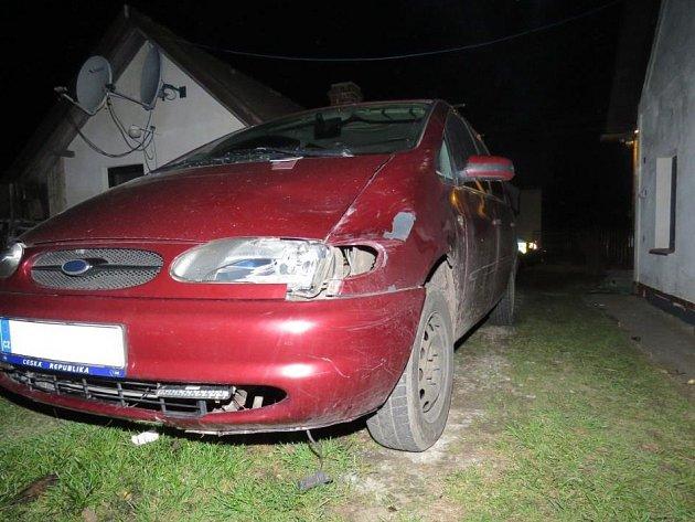 Čtyřiapadesátiletý řidič projížděl osobním vozidlem Ford Galaxy Pražskou ulicí a mířil směrem na Českou Skalici. Na přechodu pro chodce u Mlýna zřejmě přehlédl devětašedesátiletého muže, do kterého narazil.