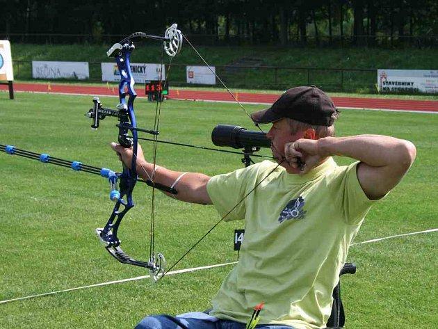 Mistrovství republiky a hodiny tréninku čekají ještě před odletem na paralympijské hry v Pekingu lukostřelce Jiřího Klicha.