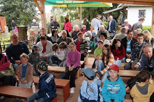 NÁVŠTĚVNÍCI Muzea Magie při jedné zMagic party, které se konají vždy první sobotu vměsíci.