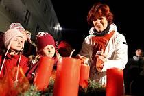 Advent na Husově náměstí v Novém Městě nad Metují.