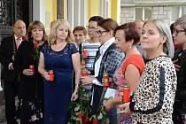 Finalistky soutěže Batist Nej sestřička 2019 vzdaly hold Mistru Karlu Gottovi.