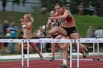 Česká reprezentantka a už jistá účastnice srpnového mistrovství světa v korejském Tegu, Lucie Škrobáková, nedala soupeřkám na své oblíbené trati 100 m překážek nejmenší šanci.