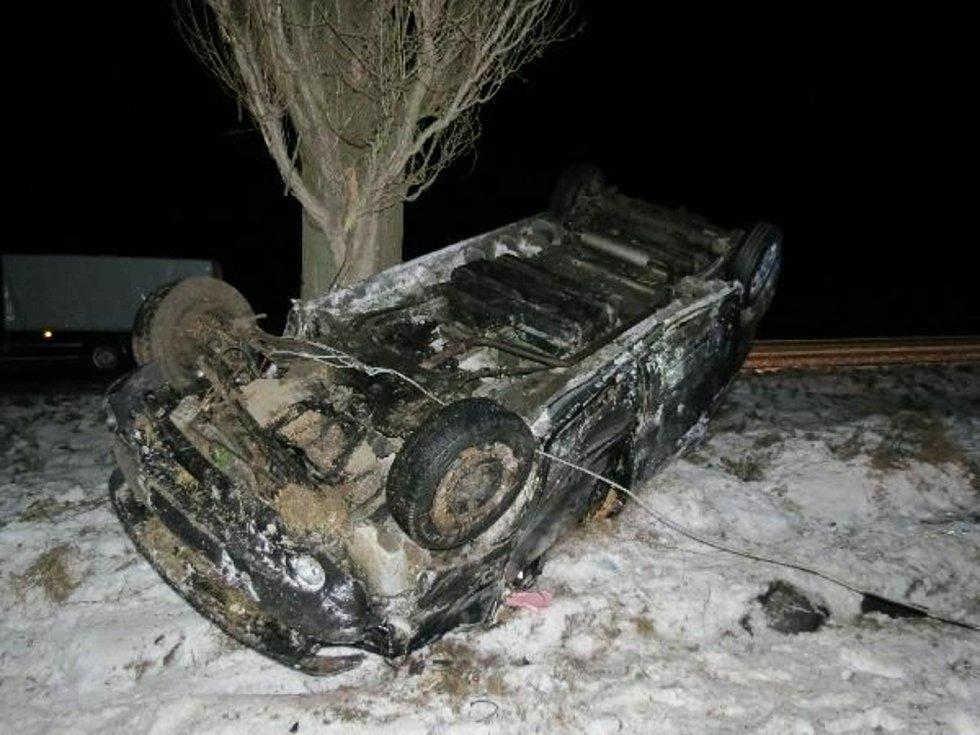 Za posledních 24 hodin královéhradečtí policisté vyjížděli ke 45 dopravním nehodám, což v přepočtu znamená téměř dvě nehody během jedné hodiny a jedná se o více než dvojnásobek běžných výjezdů.