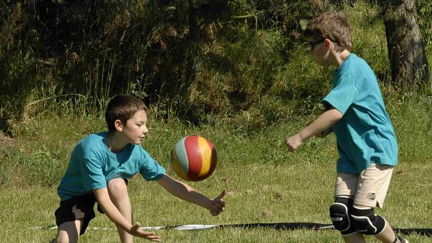 PŘÍMĚSTSKÝ tábor, který Volejbalové centrum nad Metují (VoCe) připravuje na poslední prázdninový týden, zdaleka nebude jen o volejbalu.
