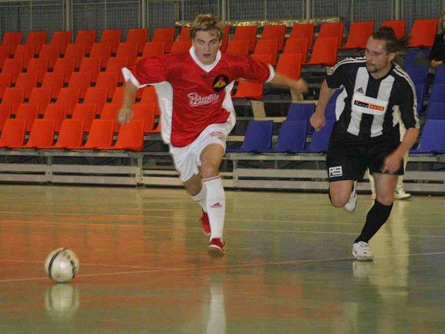 Futsálistům SK Goll Běloves by k postupu do dalšího kola play off mělo pomoci i domácí prostředí.