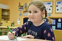 K ZÁPISU do Základní školy v Náchodě na Plhově přišla i téměř šestiletá Viktorka z Náchoda.