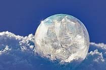 Mráz čaruje. Z bublin jsou umělecká díla.