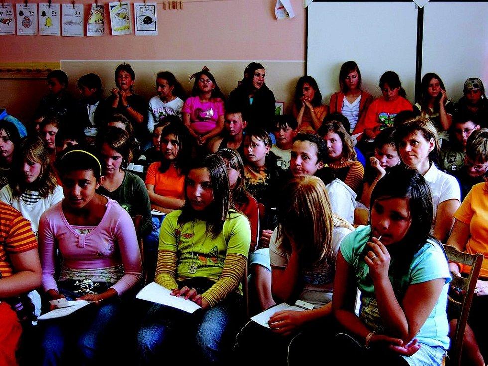 Vyhlášení výsledků soutěže  slavnostní předání cen za přítomnosti zástupců nadace a města Broumov proběhlo v Domě dětí a mládeže Ulita. Zde budou vystavené práce zrakům veřejnosti zpřístupněny do 29. srpna.