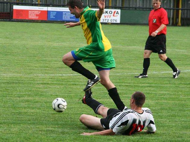 Hned dvě okresní fotbalová derby se objevují v  kuponu na úvodní kolo tipovací soutěže Fortuna ligy.