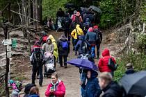 Nájezd turistů v Adršpachu