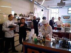 Finále hodnotila odborná porota. Recept Denisy Burgetové v silné konkurenci obstál.