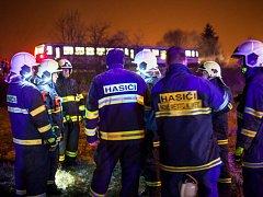 V pondělí před půl jedenáctou večer došlo na železniční trati u Nového Města nad Metují k neštěstí. Osobní vlak porazil muže pohybujícího se v kolejišti. Ten střet s vlakem neměl šanci přežít.