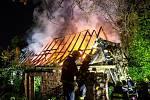 Požár neobydleného domu na Náchodsku.