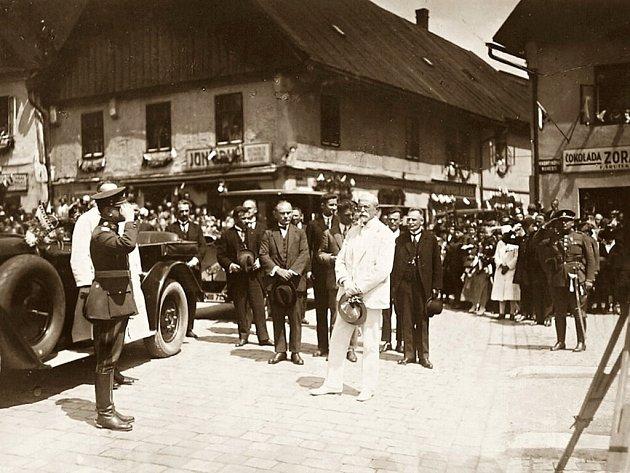 DO NÁCHODA zavítal T. G. Masaryk jako prezident v červenci 1926, když konal okružní jízdu po městech českého severovýchodu.