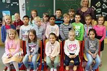 Žáci 1.třídy ze ZŠ 1. máje 365 v Náchodě Bělovsi s paní učitelkou Lucií Ťokanovou.