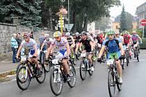 Letošní cyklistický závod Specialized Rallye Sudety ještě ztížil noční déšť.
