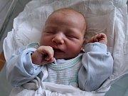 ADAM DOUCEK z Nového Města nad Metují se narodil mamince Kláře Douckové, a to 18. dubna 2017. Chlapeček vážil 4140 g a měřil 51 cm.