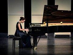 MEZINÁRODNÍ KLAVÍRNÍ SOUTĚŽ Broumovská klávesa vznikla v roce 2011. Cílem Broumovské klávesy je uspořádání soutěže pro děti a mládež s patřičnou odbornou platformou v široké mezinárodní působnosti.