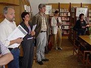V úterý 9. června 2009 krátce před desátou hodinou dorazila k obecnímu úřadu očekávaná desetičlenná hodnotitelská komise, která měla posoudit obec Žernov v soutěži Vesnice roku 2009.