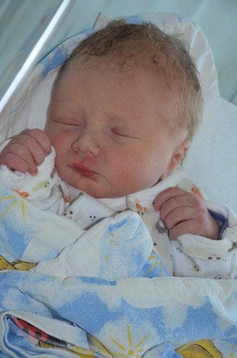 Václav Svoboda se narodil 5. května 2016 v 17.41 hodin, vážil 2750 g a měřil 49 cm. S rodiči Sabinou Svobodovou a Štefanem Muchou bydlí v Broumově, kde se na něho těšil i bráška Míša.