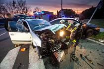 Hasiči u dopravní nehody také pomohli dvěma zraněným.