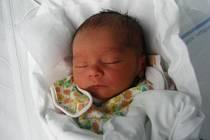 Jozífek Ježek se mamince Zuzaně narodil 2. června ve 23:29 hodin. Vážil 2,025kilogramu a měřil 48 centimetrů. Společně s tatínkem Petrem mají domov v České Metuji.