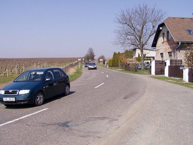 Také tento úsek silnice nedaleko hřbitova v České Skalici projde rozsáhlou rekonstrukcí, která začne už 20. dubna.