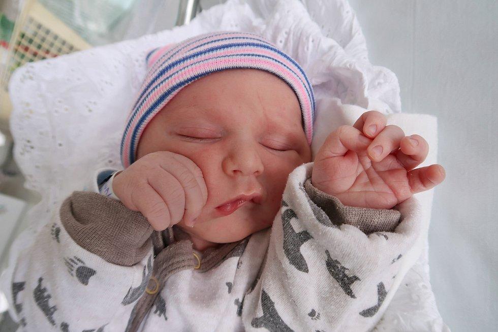 Daniel Marval z Bačetína je prvním děťátkem maminky Markéty Černé a tatínka Vladimíra Marvala. Chlapeček se narodil 2. října 2019 ve 3,10 hodin a vážil 3515 gramů.