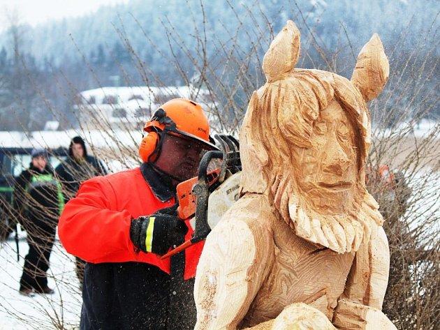 Soutěžní klání Dřevorubec roku 2013 v Adršpachu.
