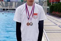 Nejlepším plavcem Královéhradeckého kraje v kategorii starších žáků se stal náchodský Josef Matyáš.