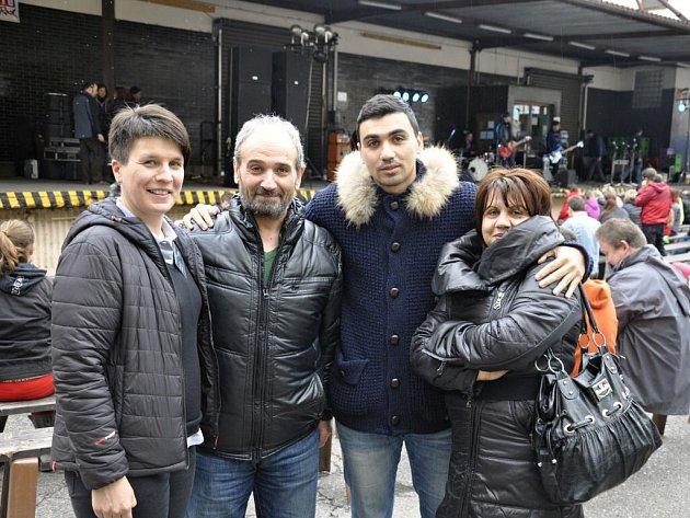 ŘEKOVÉ spolu s exportní manažerkou Romanou Jansovou během návštěvy náchodského pivovaru na Dni s Primátorem.