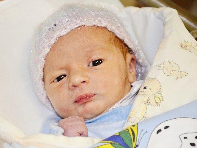 LUKÁŠ JENKA přispěchal na svět 14. ledna 2015 v 6.29 hodin. Chlapeček po porodu vážil 3055 gramů a měřil 48 centimetrů. Rodiče Lukáš Jenka a Jana Kařízková bydlí ve Vižňově.