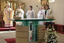 Slavnostní mše svatá a svěcení kostela sv. Vavřince, který prošel významnou rekonstrukcí interiéru.