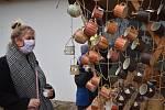 Během třetí adventní neděle se vareálu broumovského kláštera uskutečnil Adventní trh. Na trhu bylo možné zakoupit nejrůznější regionální produkty od více než padesáti prodejců zcelých východních Čech.