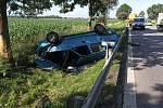 Policie hledá svědky dopravní nehody se třemi zraněnými u Dolan.