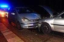 Dopravní nehoda dvou osobních automobilů v České Skalici.