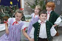 Taneční pásmo dětí z Hadářku, které jako vždy doprovázela hadářkovská hudba.
