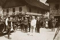PŘIVÍTÁNÍ PREZIDENTA MASARYKA na náchodském náměstí 12. července 1926.
