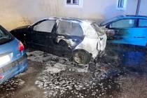 Požár osobního automobilu v Josefově.