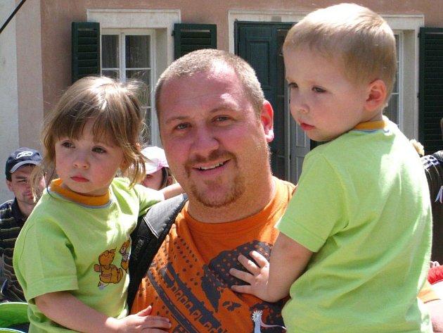 Setkáni dvojčat v Babiččině údolí.