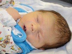 JOSEF JANOUŠEK se narodil 30. října 2012 v 19:41 hodin s váhou 4010 gramů a délkou 51 centimetrů. S rodiči Magdalenou a Vítem bydlí v Hronově.