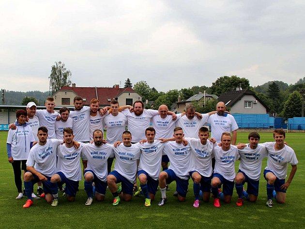 K POSLEDNÍMU domácímu utkání letošního ročníku I. B třídy nastupovali fotbalisté náchodské rezervy proti Solnici jako už jistý postupující do I. A třídy.