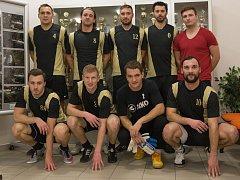 VÍTĚZSTVÍ v letošním ročníku Jelichov Cupu patří celku TRIUMPHUS.