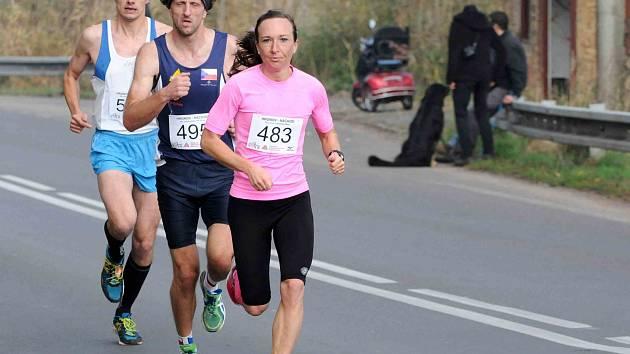 NEJRYCHLEJŠÍ ženou letošního běhu Hronov-Náchod byla reprezentantka v klasickém lyžování Eva Vrabcová.