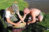 Osmačtyřiceti hodinový nonstop rybářský maraton, který se o uplynulém víkendu konal na rybníku Brodský.