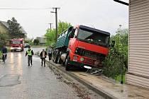 Nehoda kamionu ve Velké Jesenici.