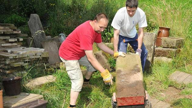 Dobrovolníci v pracovním zápřahu