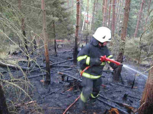 Požár lesa u Hynčic.